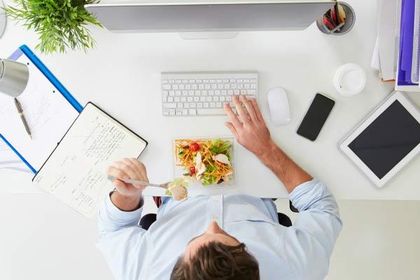 Кушать в офисе нужно в специально отведенном месте