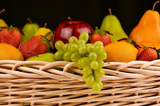 Вас пригласили в гости для знакомства? Захватите с собой корзину фруктов или торт.